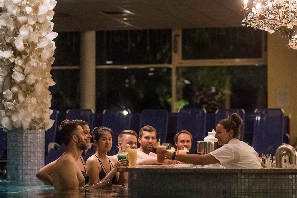 kristatl_therme_schwangau_poolbar